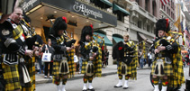 Pipers at the 2009 Tartan Day parade in New York