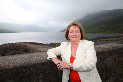 Photo of Maureen Watt MSP visiting Loch Turret